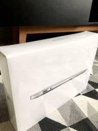 MacBook  Air 13 i5 lacrado