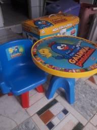 Mesa com Cadeira Lider Galinha Pintadinha