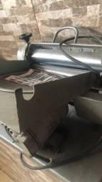 Título do anúncio: Vendo cilindro pra abrir massa