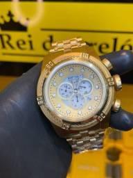 Título do anúncio: Invicta Bolt Zeus banhado a ouro 18k com entrega