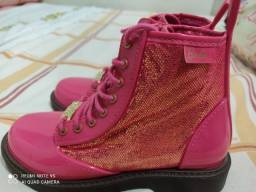Bota rosa coturno da Barbie