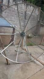 Antena parabólica praticamente nova
