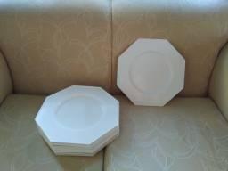 12 Sousplat oitavado de plastico sólido branco da marca Exito