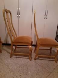 8 cadeiras forradas