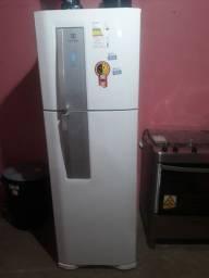 Geladeira Electrolux 382 litros Frost Free