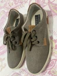 Sapato Tênis Democrata 39