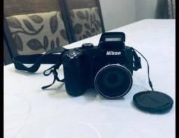 Câmera Semiprofissional da Nikon