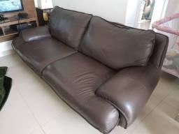 Sofa em couro legítimo