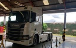 Caminhão scania R 450