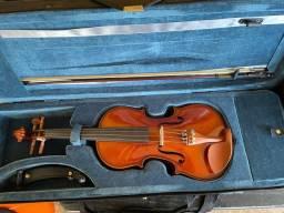 Título do anúncio: Violino muito conservado