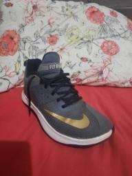 """Tênis Nike """"FLY BY II"""" N°39"""
