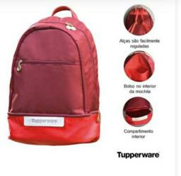 Mochila kit   tupperware é garrafinha térmica  ( lê