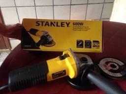 """Esmerilhadeira Angular 4 1/2"""" 600W 220V, STGS6115 - Stanley"""