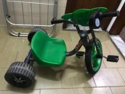 Triciclo Bandeirante Velotrol Avengers Hulk - Verde