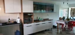 Armários de cozinha novos, apenas postos na parede!