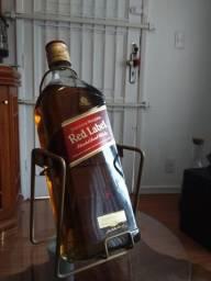 Vendo garrafa de wisk red label gigante