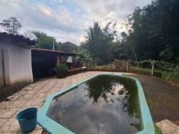 Velleda oferece sítio 1200m², casa 3 dorm, cond fechado, piscina e galpão