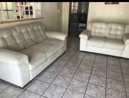 Vende-se conjunto de sofá