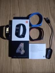 Xiaomi Mi Band 4 original versão global comprar usado  Ferraz de Vasconcelos
