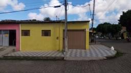 Alugo Casa em Felipe Camarão com 2/4 R$400,00 incluso água e tem garagem