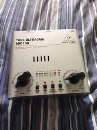 Pre Amplificador De Microfone Behringer Ultragain Mic 100<br><br>