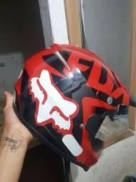 capacete fox