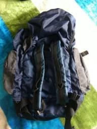 Vendo mochila para acampamento.