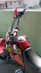 XLR 125 com um tratinho no motor
