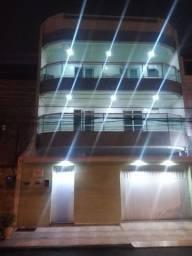 Alugo apartamento alto padrão