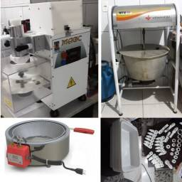 Fabrica de salgados, (Modeladora, Misturadora, Fritadeira, Bandejas e kit de corte extra)