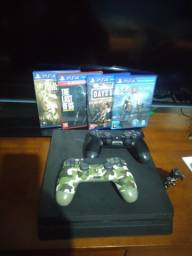 Playstation 4 Slim 1TB + 2 manetes + 4 Jogos