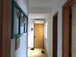 Apartamento 2 dormitórios - aceito veículo de entrada