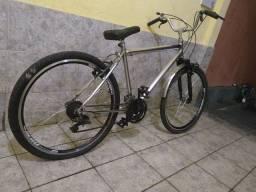 Bike aro 26 muito boa