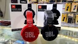 Fone Bluetooth JBL primeira linha atende ligação