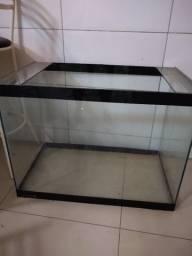 Aquário vazio  vidro 10 mm medindo 80 cm comprimento 46 cm largura 60 cm profundidade