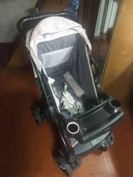 Carrinho de bebê+bebê conforto da TUTTI