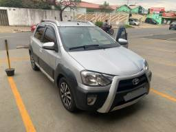 Etios Cross 1.5 Flex 2015