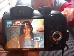 Camera semi profissional fujifilme.