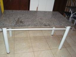 mesa grande pedra sem cadeira