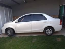 Toyota Etios 1.5 xs automático