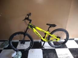 Vendo bicicleta de trilha