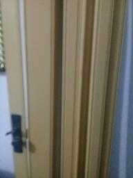 Vendo porta de correr  para seu quarto bem conservada