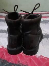 Vendo sapato de couro ótimo estado