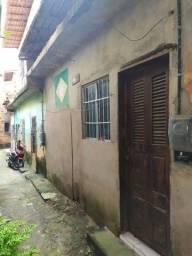 Casa na feirinha do Bequimão