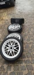 Aro 17 com pneu  univesal pega em qualquer carro $1200zap *