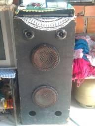 Vende se esta caixa de som
