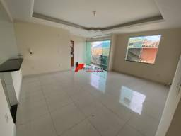 Apartamento amplo, primeiro andar e ótima ventilação no bairro Maria Eugenia