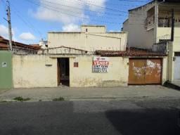CA0076 - Casa residencial à venda, 333 m² de terreno, 03 vagas, Montese, Fortaleza