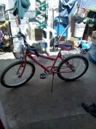 Bicicleta bem conservada completa