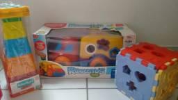 3 brinquedos de encaixe